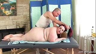 Big facialed BBW Miss Ladycakes gets a sex massage